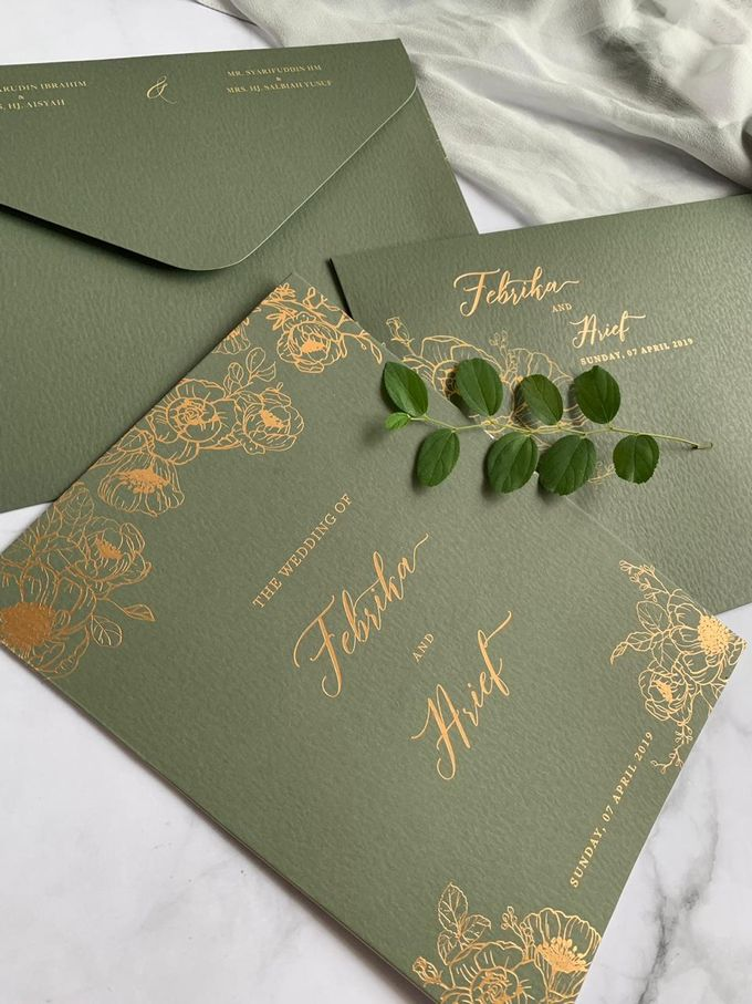Green Floral by Trouvaille Invitation - 003