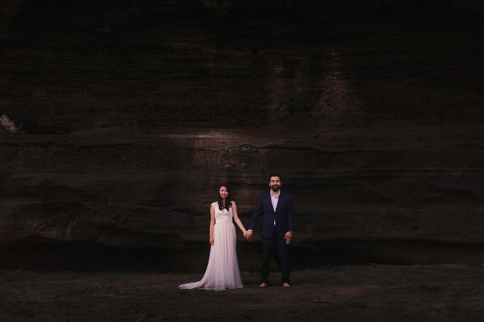 Cindy & George | Engagement by Valerian Photo - 025