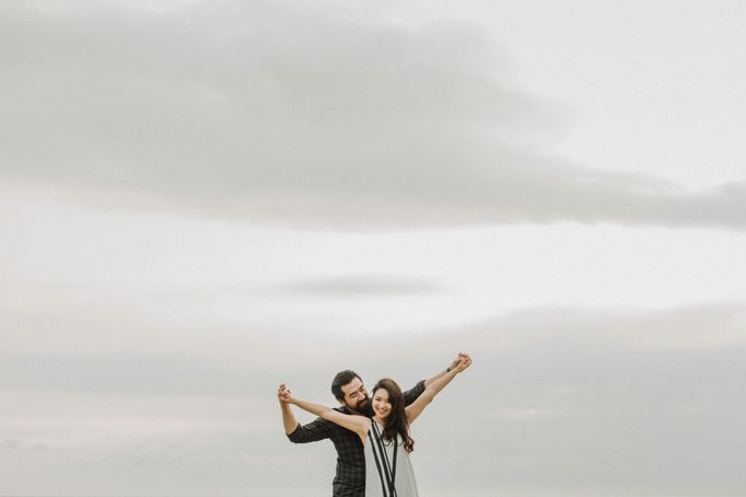 Cindy & George | Engagement by Valerian Photo - 007