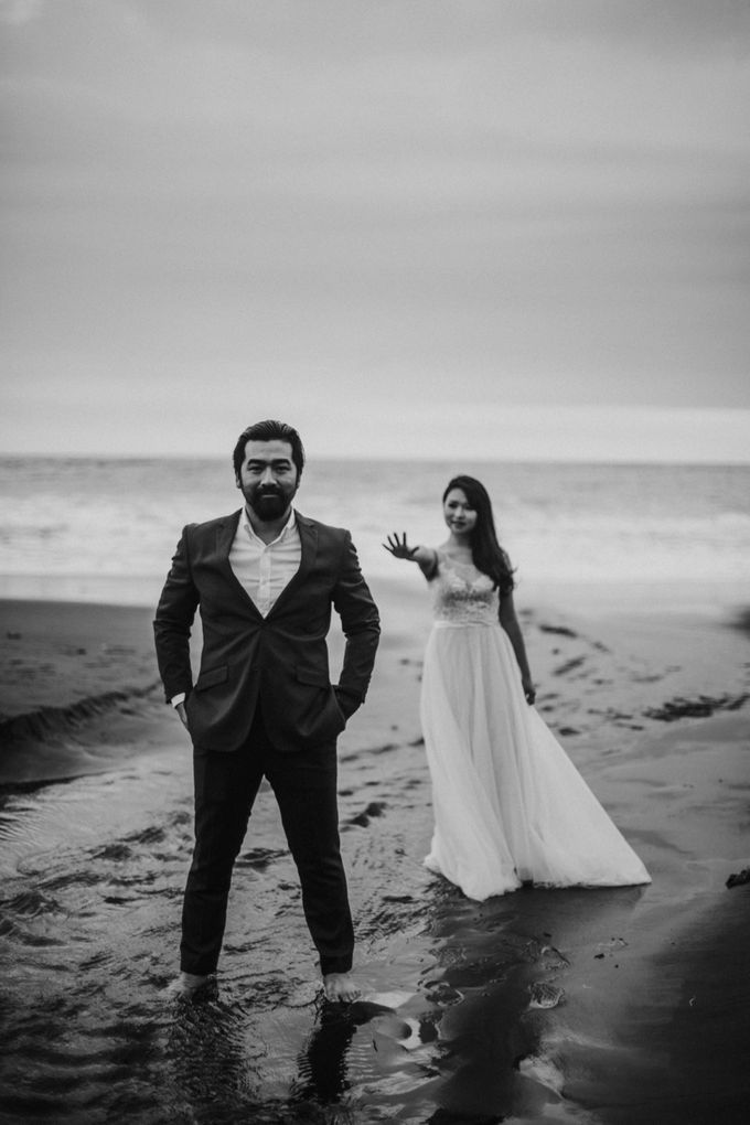Cindy & George | Engagement by Valerian Photo - 012