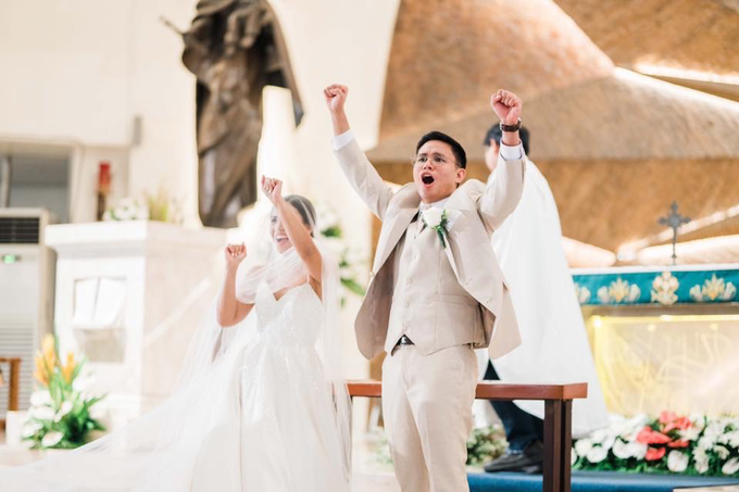 Tying the Knot in Magallanes Church by Cha Andrada Events - 010