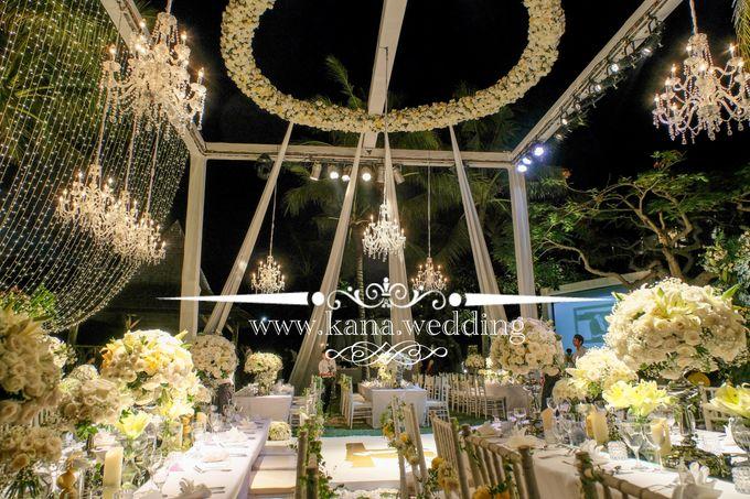 Cliff bali wedding by bali wedding decoration bridestory add to board cliff bali wedding by khayangan estate 002 junglespirit Images