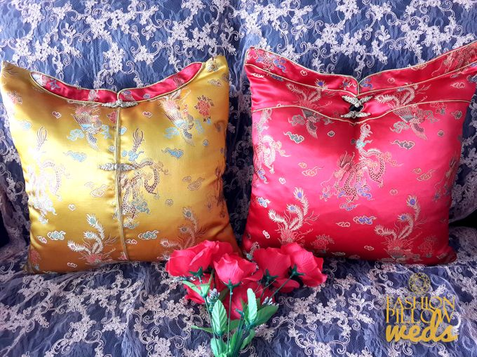 Cheongsam Wedding Pillow for Sangjit by Fashion Pillow Weds - 001