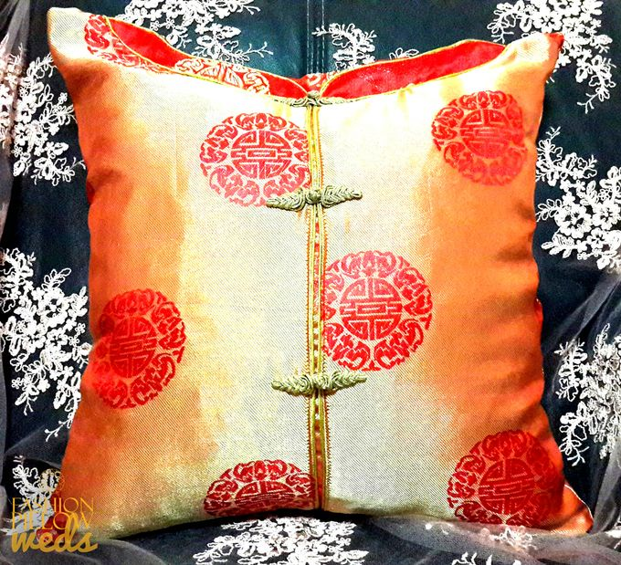 Cheongsam Wedding Pillow for Sangjit by Fashion Pillow Weds - 004
