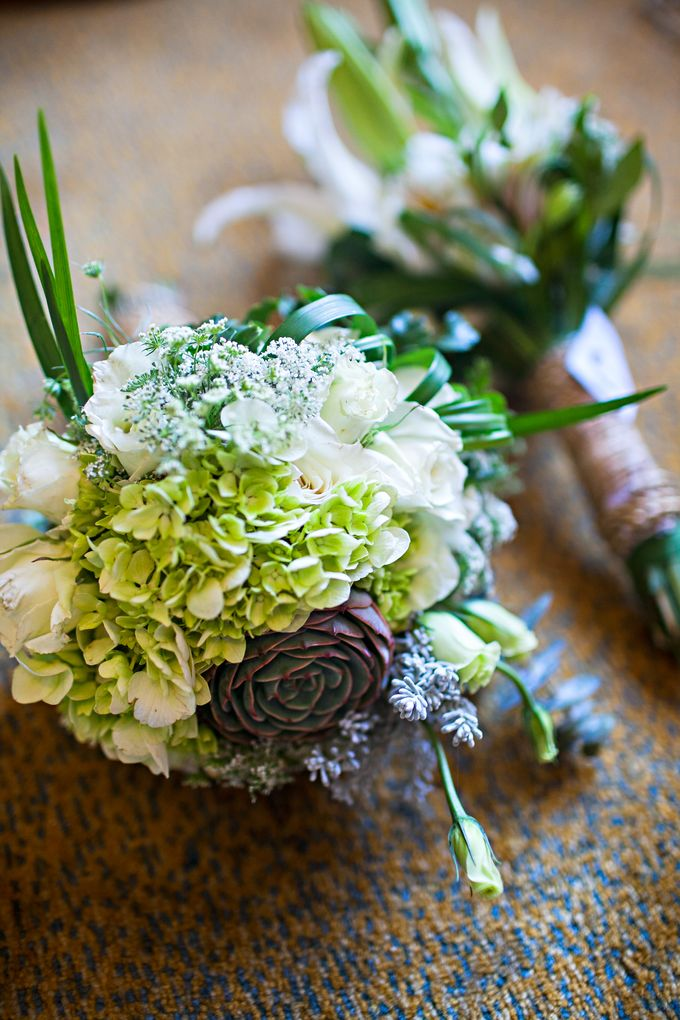 Entourage Flowers by Natural Art Flowers and Decors - 006