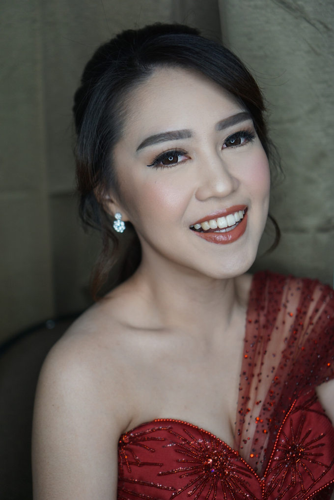 Engagement for Sisca  by Chesara Makeup - 004