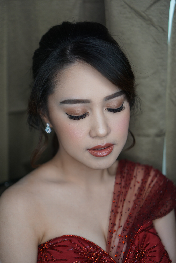 Engagement for Sisca  by Chesara Makeup - 003