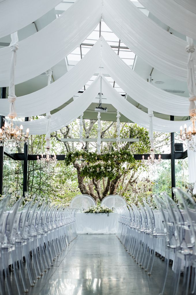 White Nights Wedding Theme Decoration At The Glass House By Tirtha