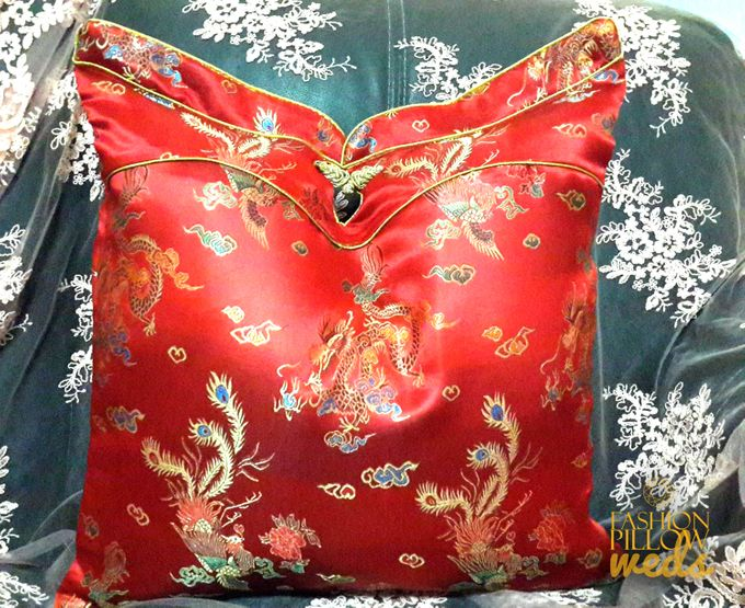 Cheongsam Wedding Pillow for Sangjit by Fashion Pillow Weds - 003