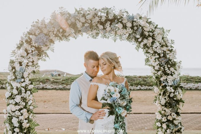 Chloe & Joshua Wedding by Holiday Inn Resort Baruna Bali - 002