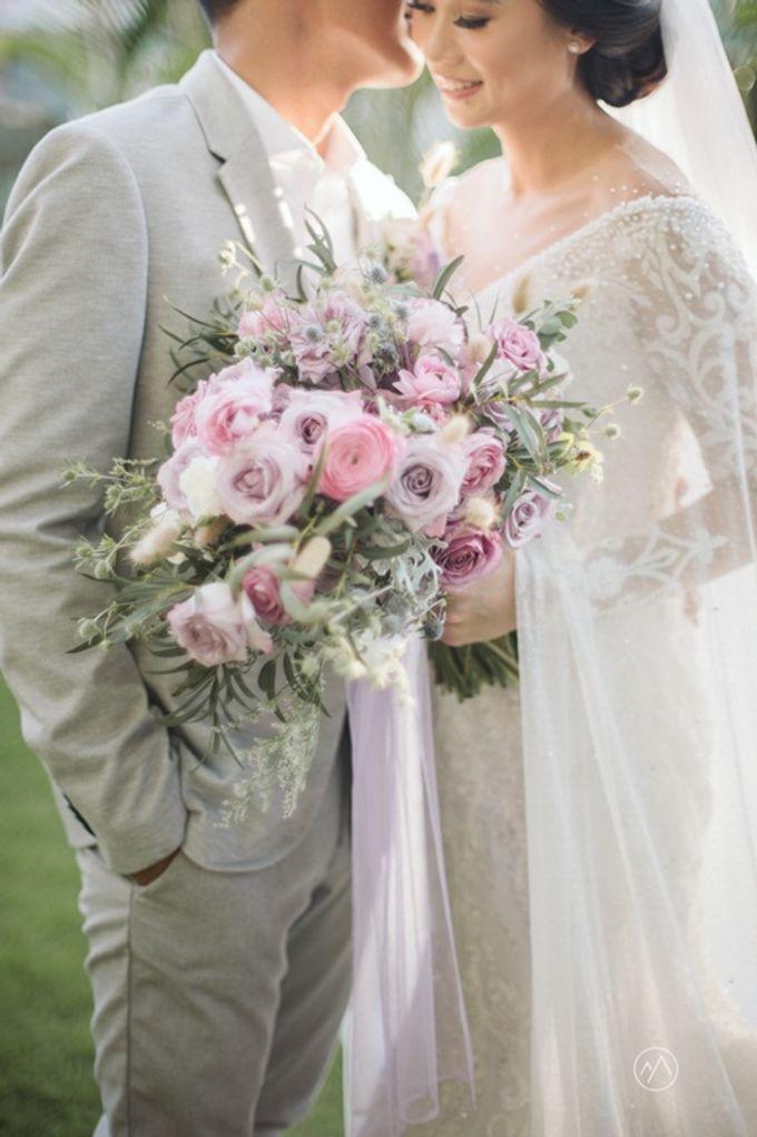 Soft Purple & Lavender Decoration Wedding by Bali Izatta Wedding Planner & Wedding Florist Decorator - 005