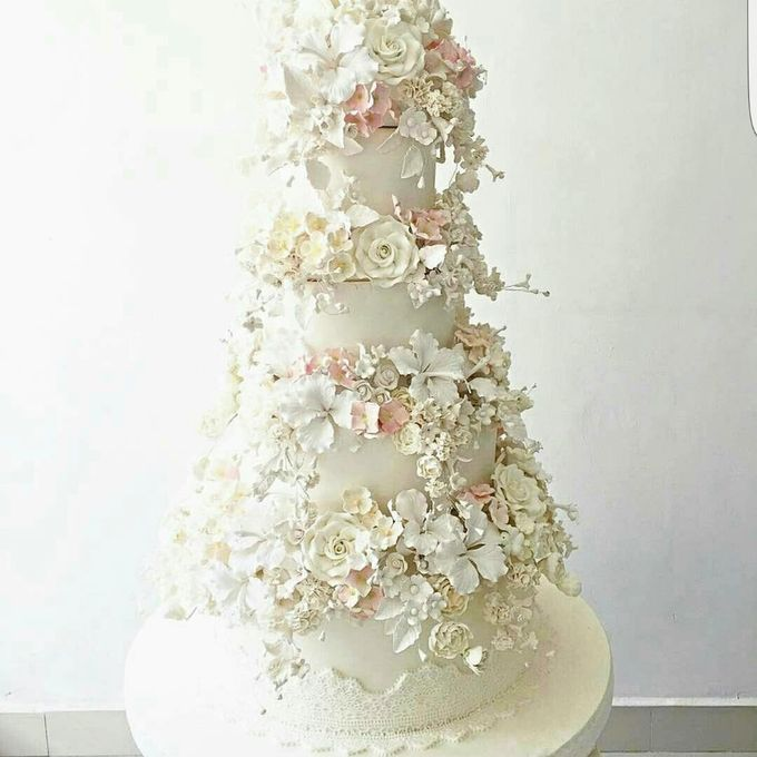 3 layers wedding cakes by LeNovelle Cake - 003