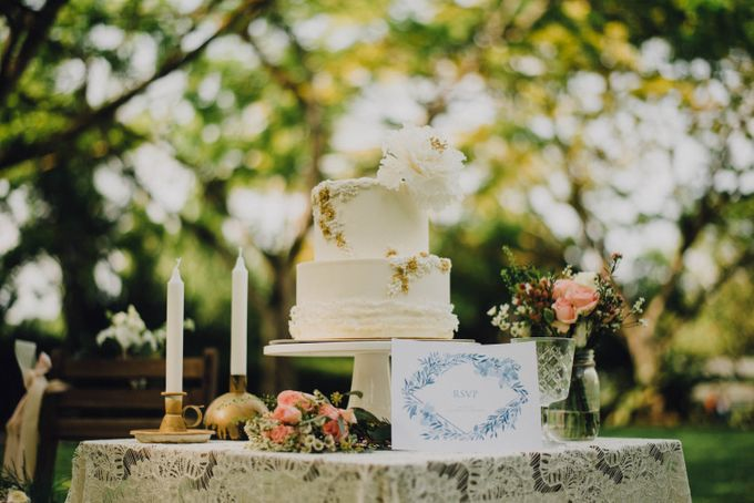 Beauty and the Beast Garden Wedding by Baby Cakes - 004