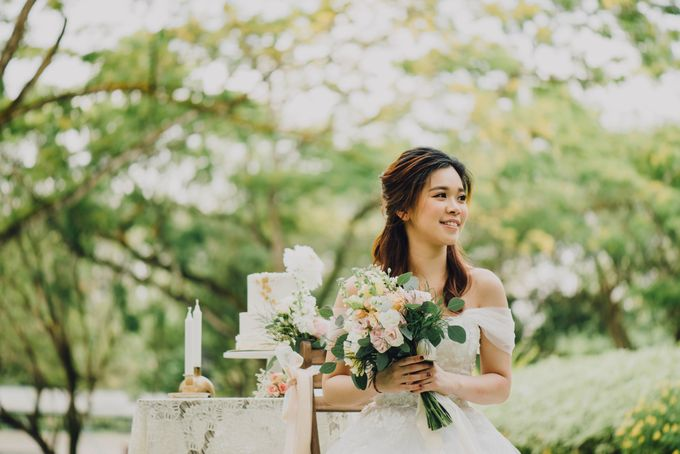 Beauty and the Beast Garden Wedding by Baby Cakes - 005