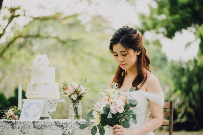 Beauty and the Beast Garden Wedding by Baby Cakes - 007