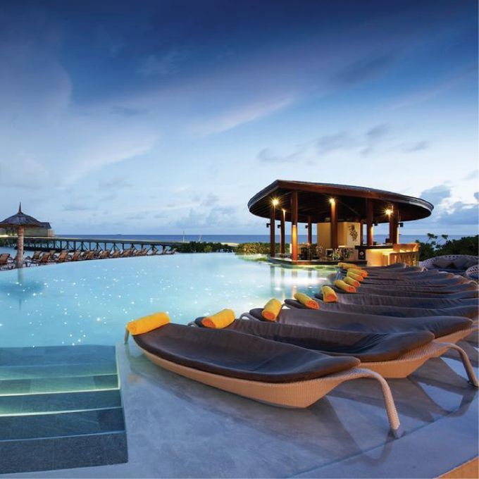 AVIA TOUR 4D3N CENTARA RAS FUSHI RESORT & SPA MALDIVES 4 by Aviatour - 001