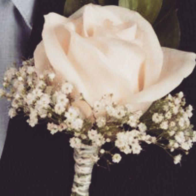 Bouquets, Corsages & Boutonnieres by Dorcas Floral - 006