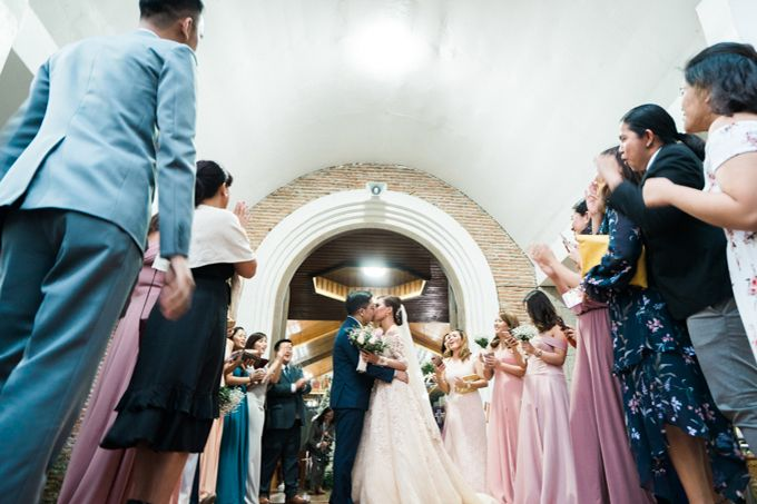 Geometric and Marble inspired wedding in Pinks, Purples and Blues by Ivy Tuason Photography - 040