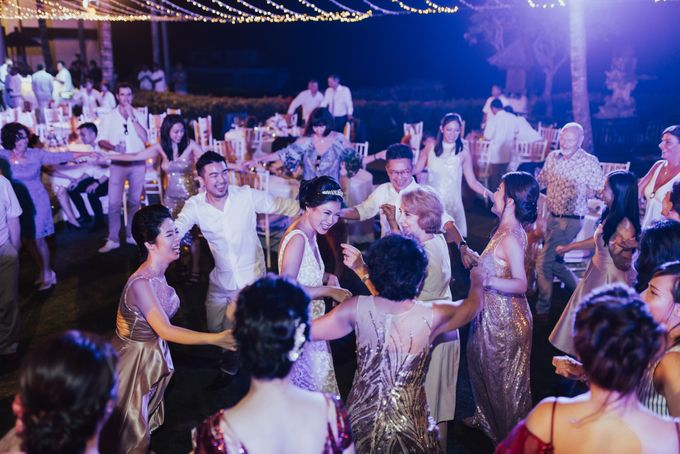 Alluring Cliff Top Oceanview Wedding in Bali by Bali In Motion - 049