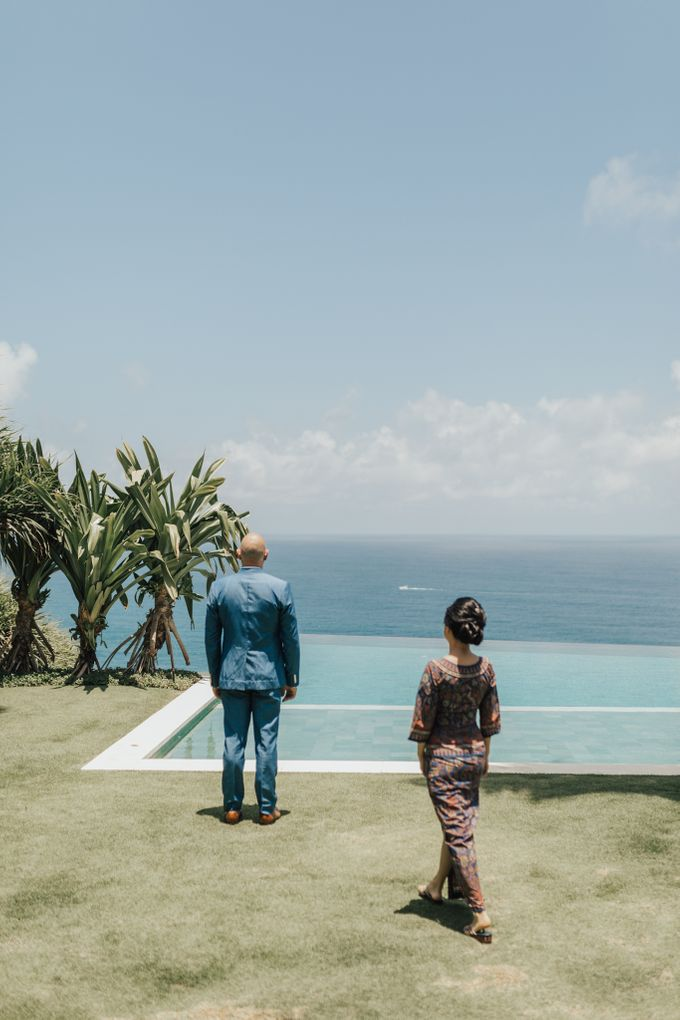 Alluring Cliff Top Oceanview Wedding in Bali by Bali In Motion - 012