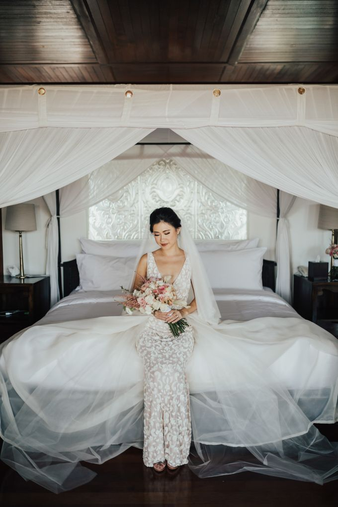 Alluring Cliff Top Oceanview Wedding in Bali by Bali In Motion - 025