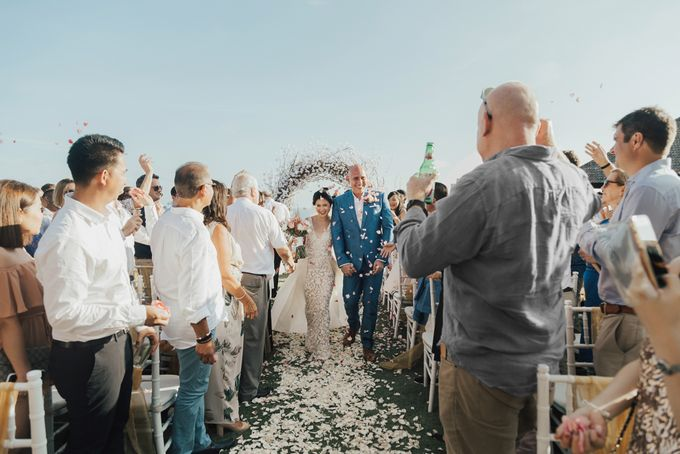 Alluring Cliff Top Oceanview Wedding in Bali by Bali In Motion - 032