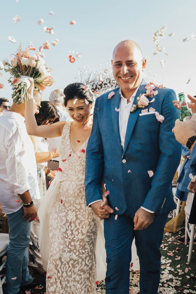 Alluring Cliff Top Oceanview Wedding in Bali by Bali In Motion - 033