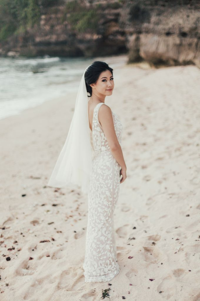 Alluring Cliff Top Oceanview Wedding in Bali by Bali In Motion - 039