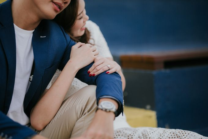 Clinton & Claire - Nanyang Polytechnic Engagement Shoot by Pixioo Photography - 021