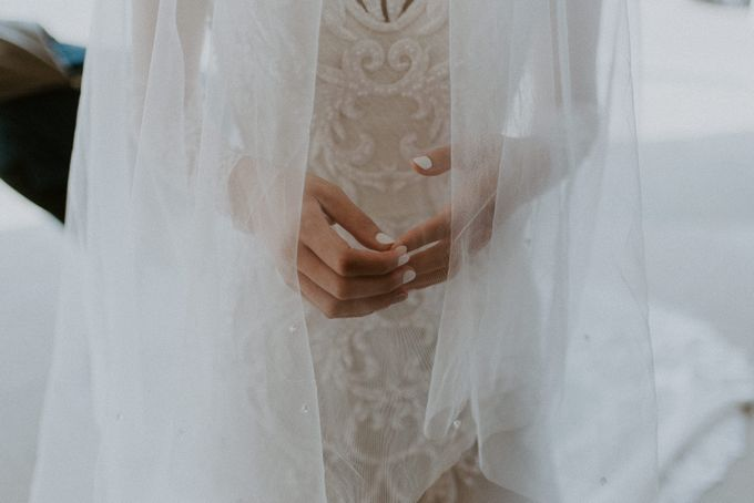 Clement & Leoni Cliff Side Wedding in Uluwatu by Khayangan Estate - 024