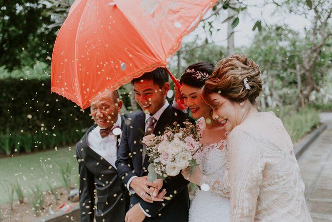 Clement & Leoni Cliff Side Wedding in Uluwatu by Khayangan Estate - 025