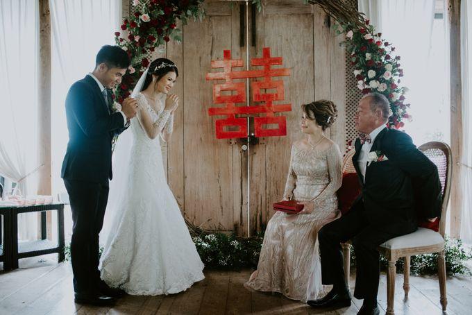 Clement & Leoni Cliff Side Wedding in Uluwatu by Khayangan Estate - 029
