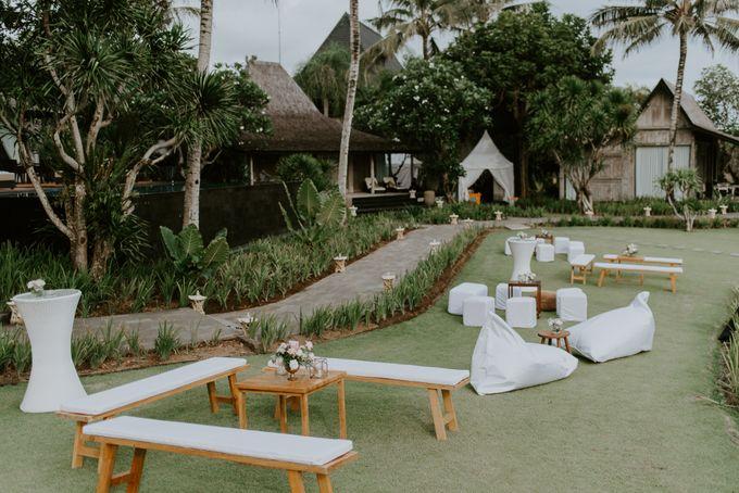 Clement & Leoni Cliff Side Wedding in Uluwatu by Khayangan Estate - 037