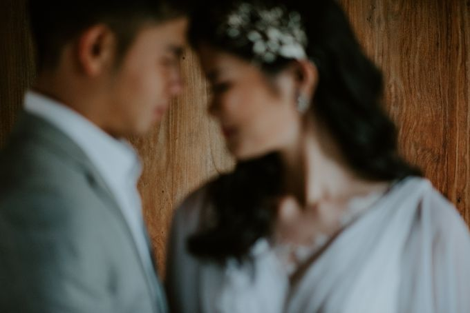 Clement & Leoni Cliff Side Wedding in Uluwatu by Khayangan Estate - 039