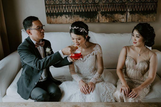 Clement & Leoni Cliff Side Wedding in Uluwatu by Khayangan Estate - 020