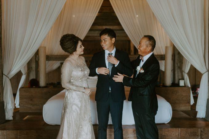 Clement & Leoni Cliff Side Wedding in Uluwatu by Khayangan Estate - 021