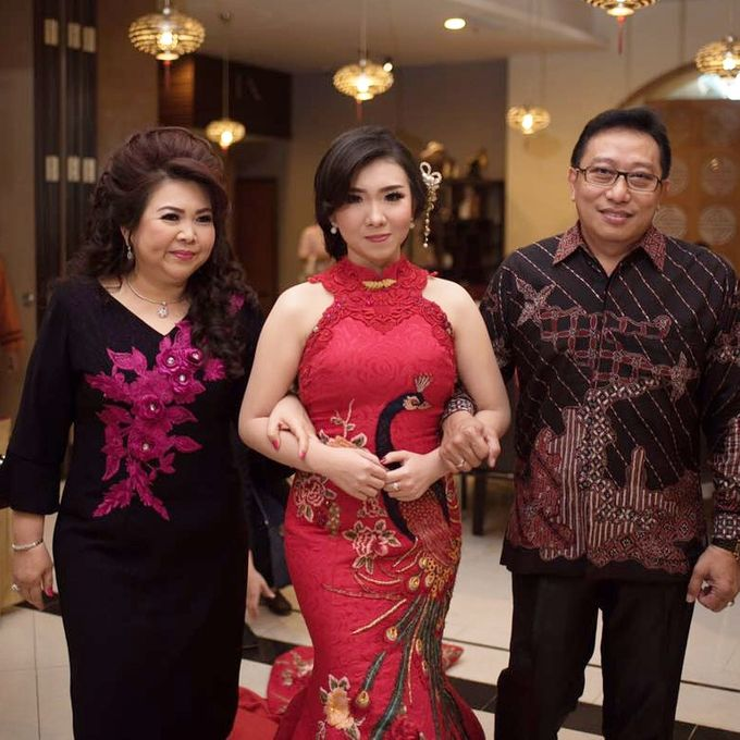 Mom's Dress by unravel photograph - 001