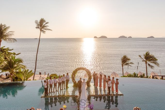 Romantic wedding ceremony on the over water with transparency stage at conrad koh samui by BLISS Events & Weddings Thailand - 004