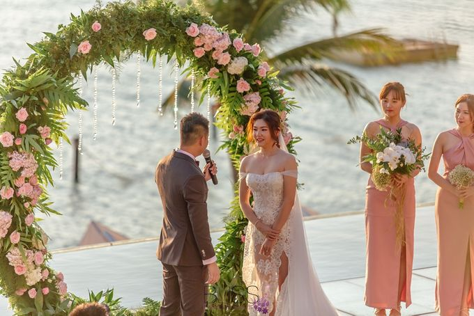 Romantic wedding ceremony on the over water with transparency stage at conrad koh samui by BLISS Events & Weddings Thailand - 007