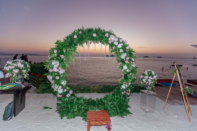 Romantic wedding ceremony on the over water with transparency stage at conrad koh samui by BLISS Events & Weddings Thailand - 013