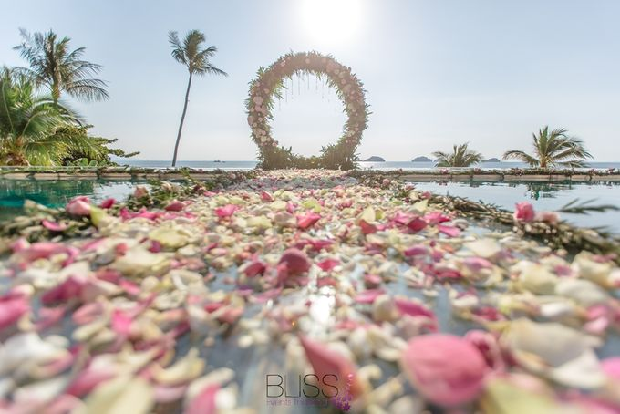 Romantic wedding ceremony on the over water with transparency stage at conrad koh samui by BLISS Events & Weddings Thailand - 002