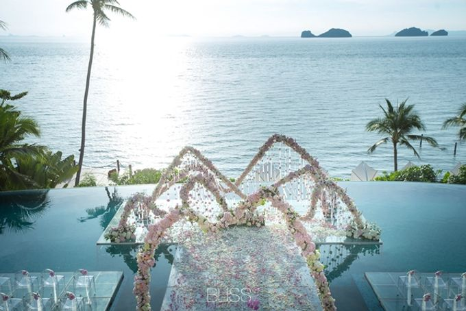 Over water wedding at Conrad Koh Samui by BLISS Events & Weddings Thailand - 005
