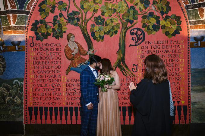 Copenhagen City Hall Wedding Elopement during COVID-19 by Ieva Vi Photo by Ieva Vi Photography - 009