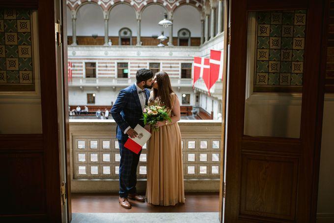 Copenhagen City Hall Wedding Elopement during COVID-19 by Ieva Vi Photo by Ieva Vi Photography - 011