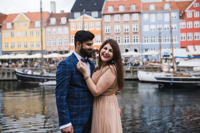 Copenhagen City Hall Wedding Elopement during COVID-19 by Ieva Vi Photo by Ieva Vi Photography - 016