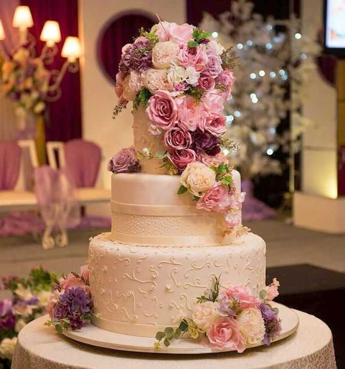 3 Tiers by Amor Cake - 002