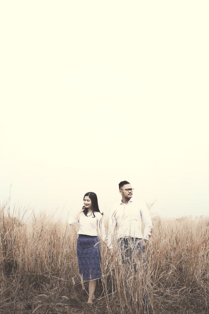 Bayu & Christi  by Creative Images Service - 009