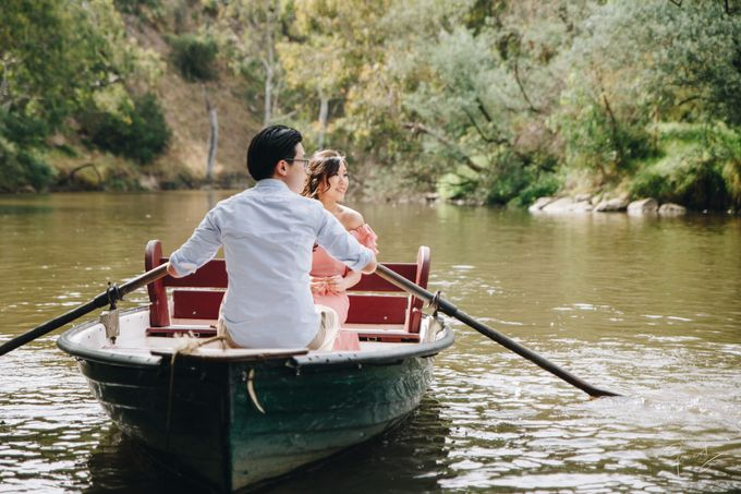 Yarra River outdoor pre wedding by Photo by James Lee - 001