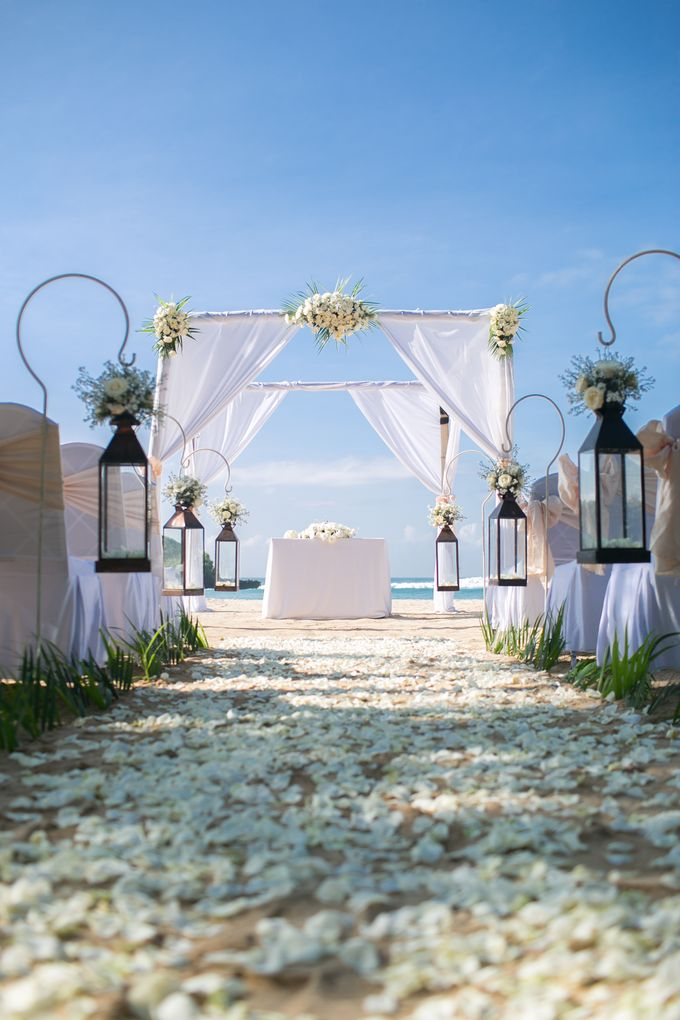 Wedding Ceremony Decoration by Courtyard by Marriott Bali Nusa Dua - 026