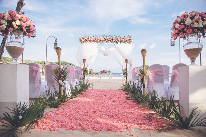 Wedding Ceremony Decoration by Courtyard by Marriott Bali Nusa Dua - 025